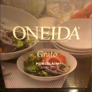 Oneida Grato Bowls